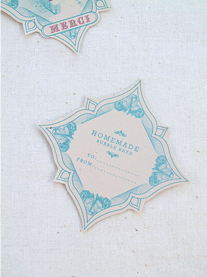 DIY Bridesmaid Gifts: Homemade Bubble Bath- Free Labels